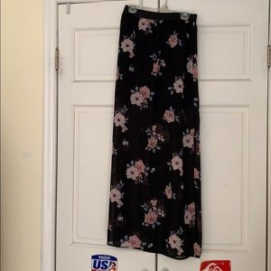 Brand new maxi skirt with liner size small H&M